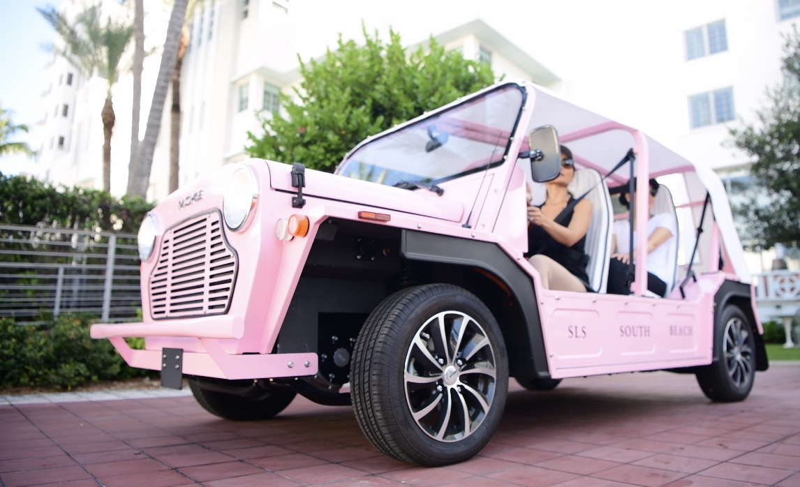 Girls Getaway Guide, girls getaway Miami, Pink Moke Electric Car, SLS Hotel South Beach, miami South Beach, Moke rental, Pink Moke SLS Hotel South Beach