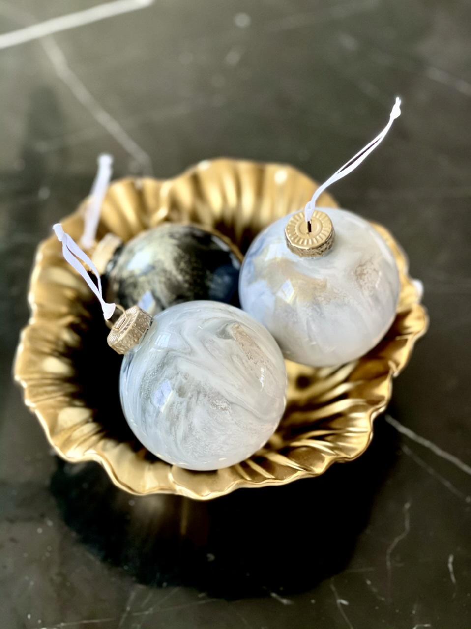 DIY marble Christmas ornaments, diy marble ornaments, modern Christmas tree ornaments, Modern Christmas decorations